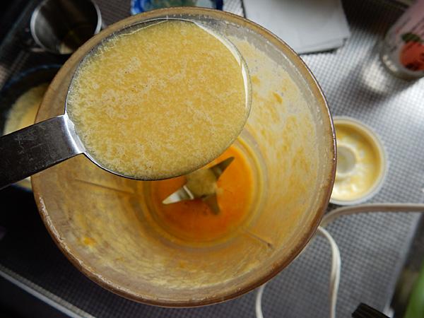 マヨネーズ作りに卵黄を使って復活